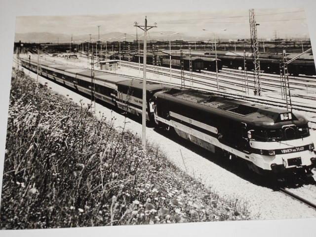 Renfe - lokomotiva - železnice - fotografie