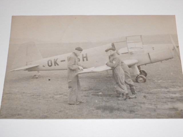 Z-381 - OK-ESH - v. č. 415 - letiště Třinec - fotografie
