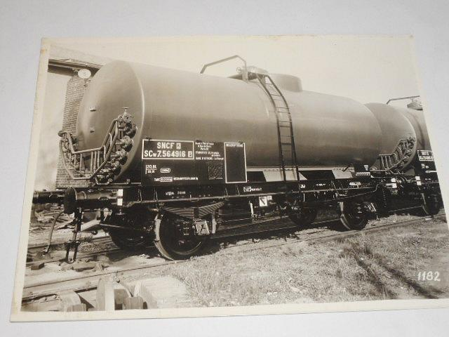 SNCF - nákladní vagon - cisterna - fotografie