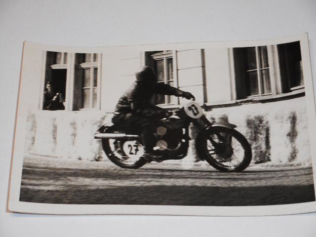 Závodní motocykl - JAWA ? - fotografie