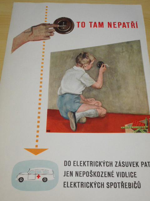 To tam nepatří - do elektrických zásuvek patří jen nepoškozené vidlice elektrických spotřebičů!