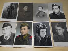 Vojáci - pohlednice - fotografie - 31 kusů