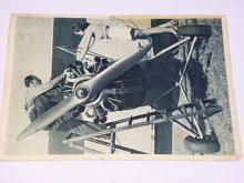 Letadlo - opatrovanie motora - pohlednice